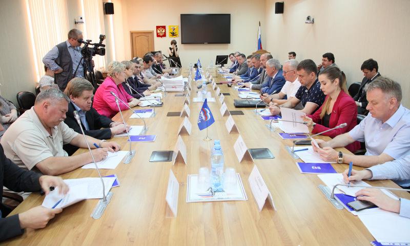 Встреча федерации профсоюзов и регионального отделения партии «Единая Россия».